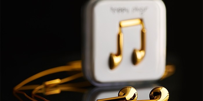 Happy-Plugs-18-Karat-Gold-1-700x350