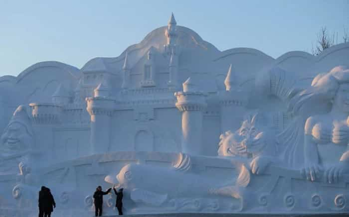 Harbin-Ice-and-Snow-World-Photo-by-China-Barcroft-Media-2